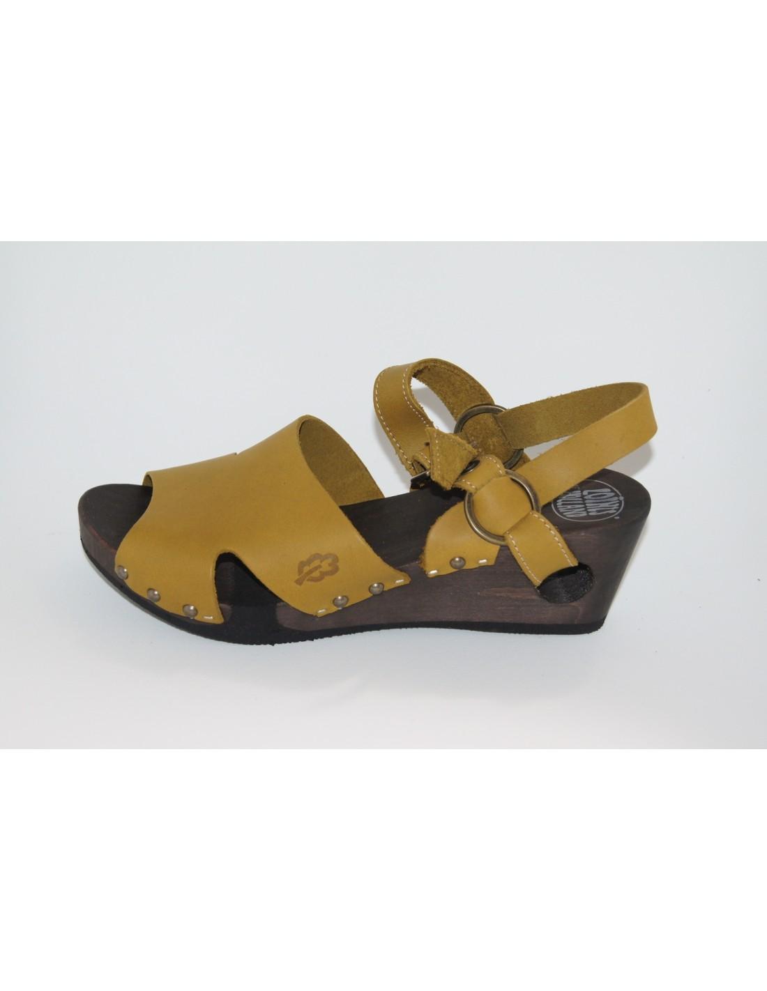 e4d62302e7b sandalia cuña de madera WOODSTOCK de LOINTS   mostaza. Loading zoom